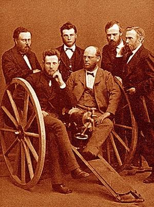 Людвиг Нобель (стоит справа) и его коллеги на Ижорском заводе